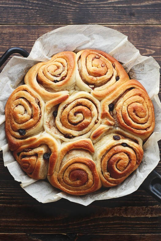 perfect-vegan-cinnamon-buns-ilovevegan6